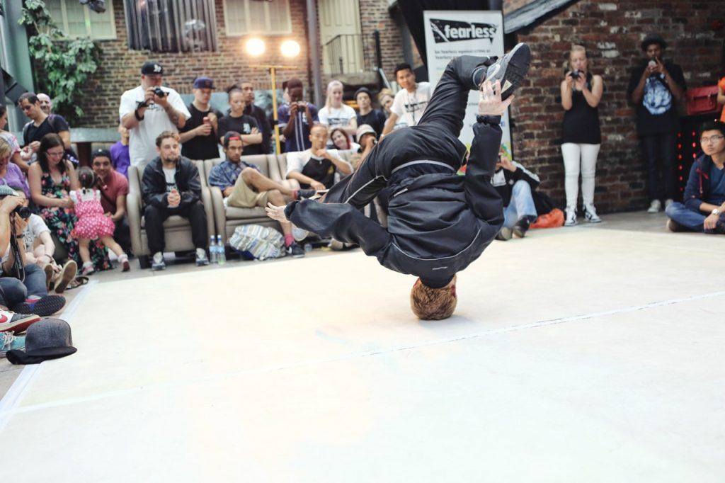 breakdancing-battle-life-males-159273